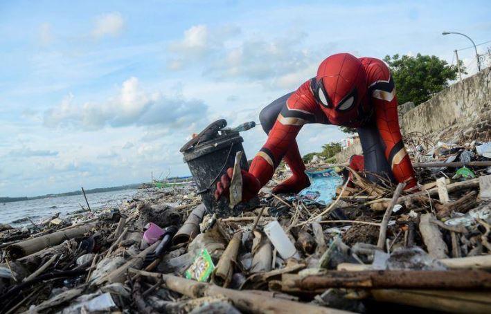 SPIDER-MAN: Guerra alla plastica