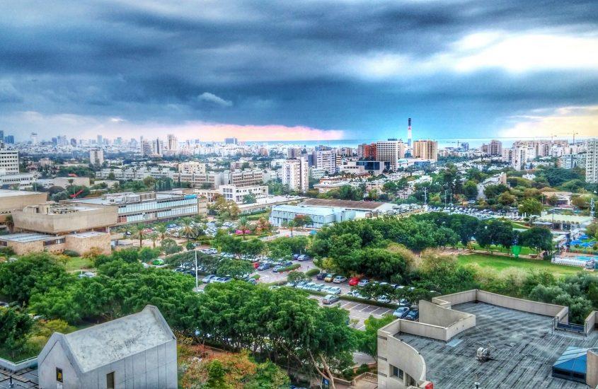 Tel Aviv, prima città al mondo con una strada elettrica