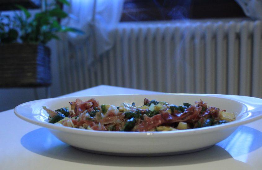 Spätzle di spinaci speck e carciofini
