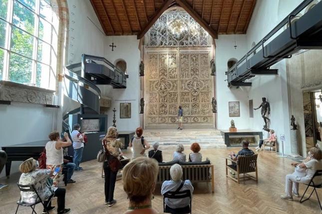 L'arte diventa inclusiva, la lingua dei segni ai musei del Sacro Monte di Varese